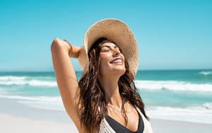 Beneficios de la vitamina C bajo la exposición al sol